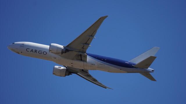 IMP.TIさんが、成田国際空港で撮影したサザン・エア 777-F16の航空フォト(飛行機 写真・画像)