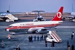 パール大山さんが、羽田空港で撮影したマレーシア航空 737-2H6/Advの航空フォト(飛行機 写真・画像)