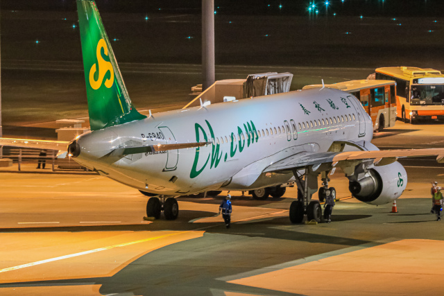 rokko2000さんが、羽田空港で撮影した春秋航空 A320-214の航空フォト(飛行機 写真・画像)