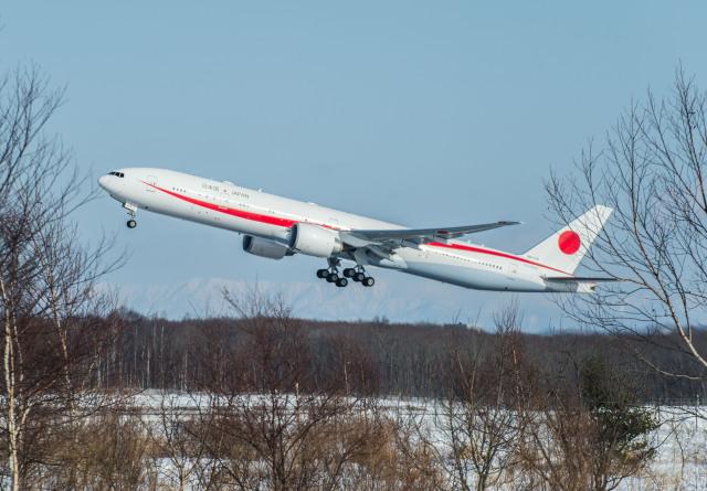 Cygnus00さんが、新千歳空港で撮影した航空自衛隊 777-3SB/ERの航空フォト(飛行機 写真・画像)