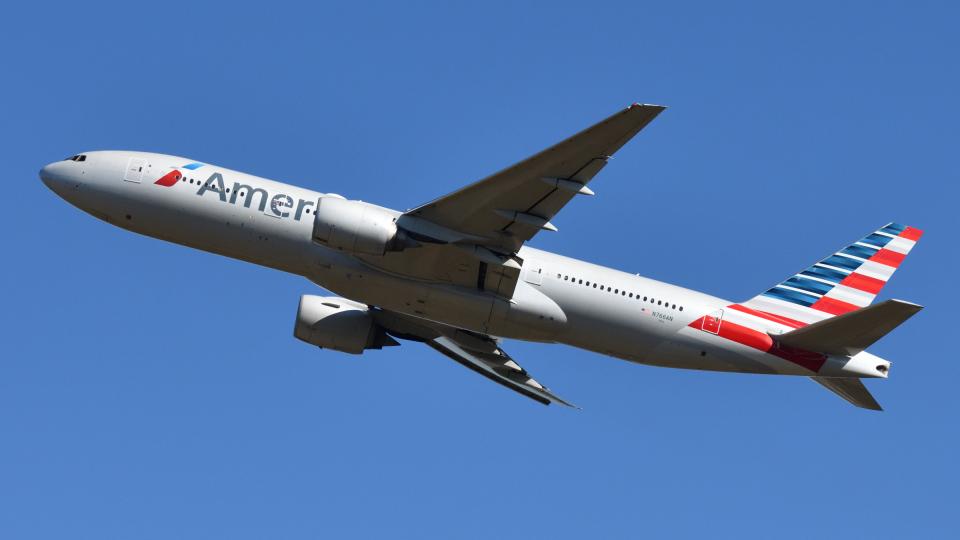 saoya_saodakeさんのアメリカン航空 Boeing 777-200 (N766AN) 航空フォト