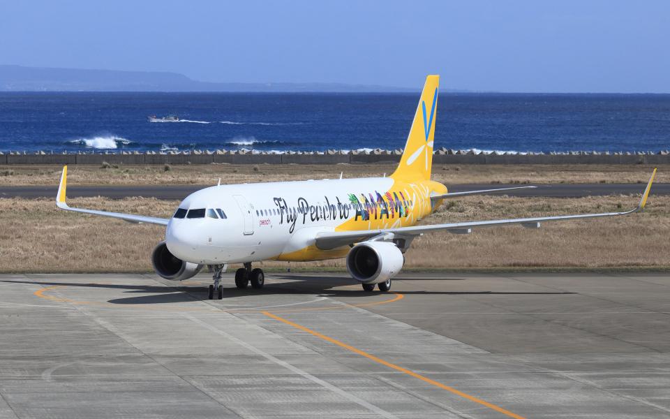 CL&CLさんのピーチ Airbus A320 (JA08VA) 航空フォト