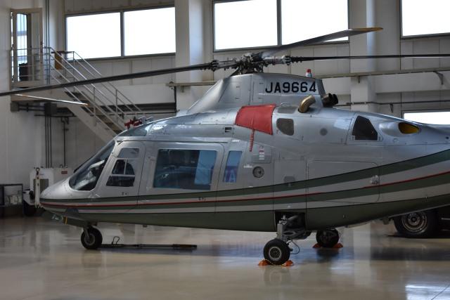 しゅんてぃーさんが、調布飛行場で撮影したベルハンドクラブ A109A Mk2の航空フォト(飛行機 写真・画像)