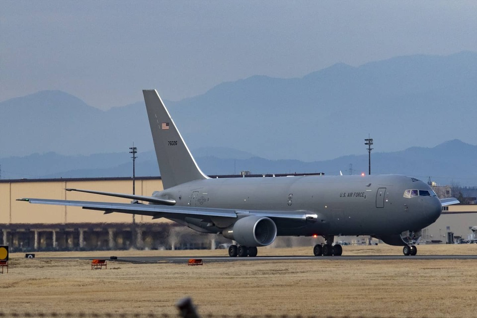 Mochi7D2さんのアメリカ空軍 Boeing 767-200 (17-46026) 航空フォト