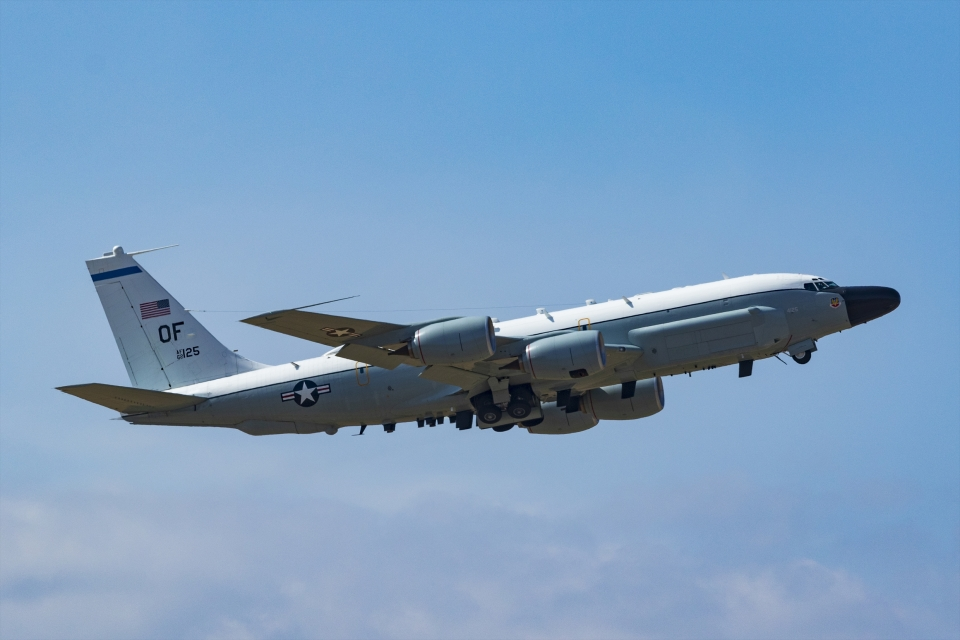 Mochi7D2さんのアメリカ空軍 Boeing C-135 Stratolifter (62-4125) 航空フォト