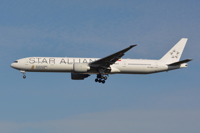 Deepさんが、成田国際空港で撮影したシンガポール航空 777-312/ERの航空フォト(飛行機 写真・画像)