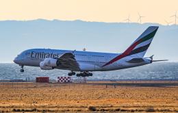 rokko2000さんが、関西国際空港で撮影したエミレーツ航空 A380-861の航空フォト(飛行機 写真・画像)