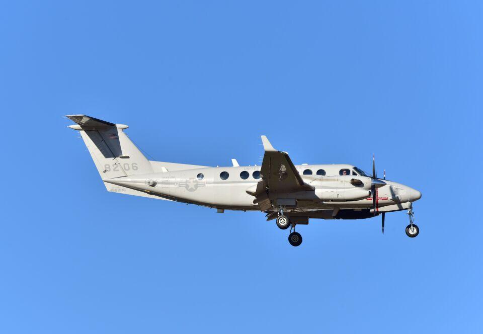 kotaちゃんさんのアメリカ海兵隊 Beechcraft 200 Super King Air (168206) 航空フォト