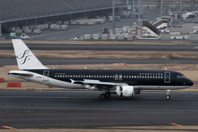 へぬら。さんが、羽田空港で撮影したスターフライヤー A320-214の航空フォト(飛行機 写真・画像)