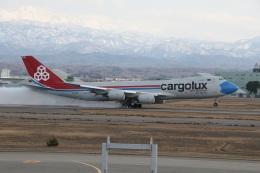 ショウさんが、小松空港で撮影したカーゴルクス 747-8R7F/SCDの航空フォト(飛行機 写真・画像)