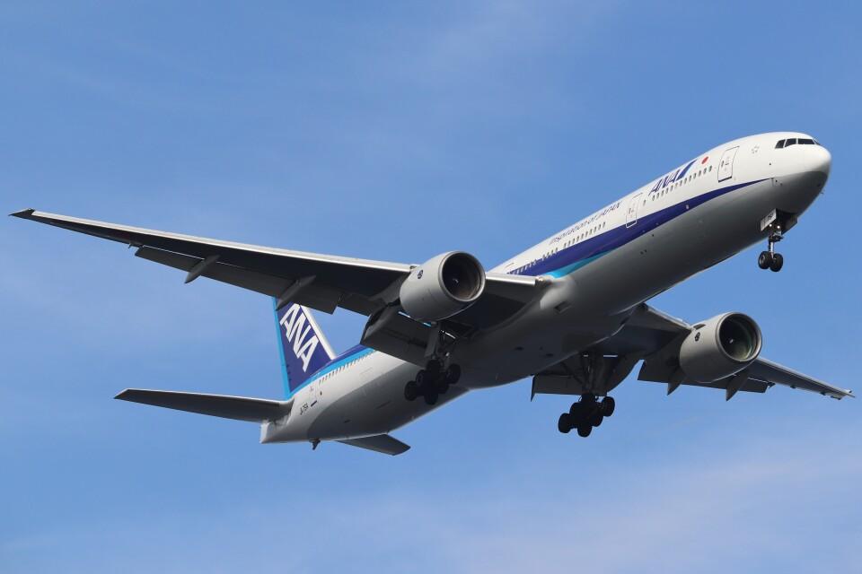 BOEING737MAX-8さんの全日空 Boeing 777-300 (JA751A) 航空フォト