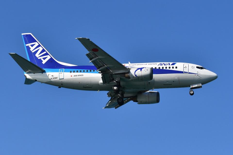 DeepさんのANAウイングス Boeing 737-500 (JA306K) 航空フォト