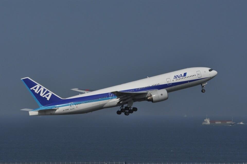 kumagorouさんの全日空 Boeing 777-200 (JA706A) 航空フォト