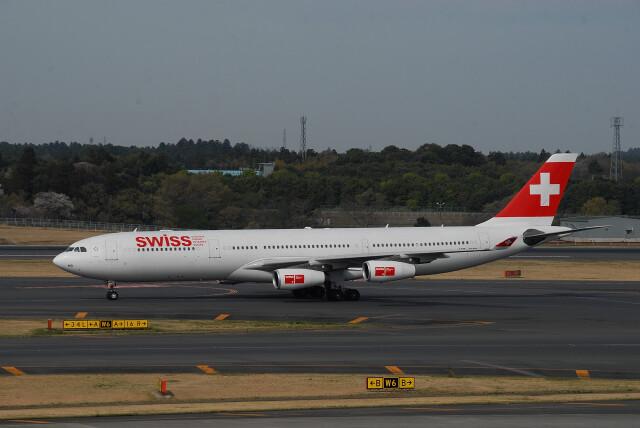banshee02さんが、成田国際空港で撮影したスイスインターナショナルエアラインズ A340-313Xの航空フォト(飛行機 写真・画像)