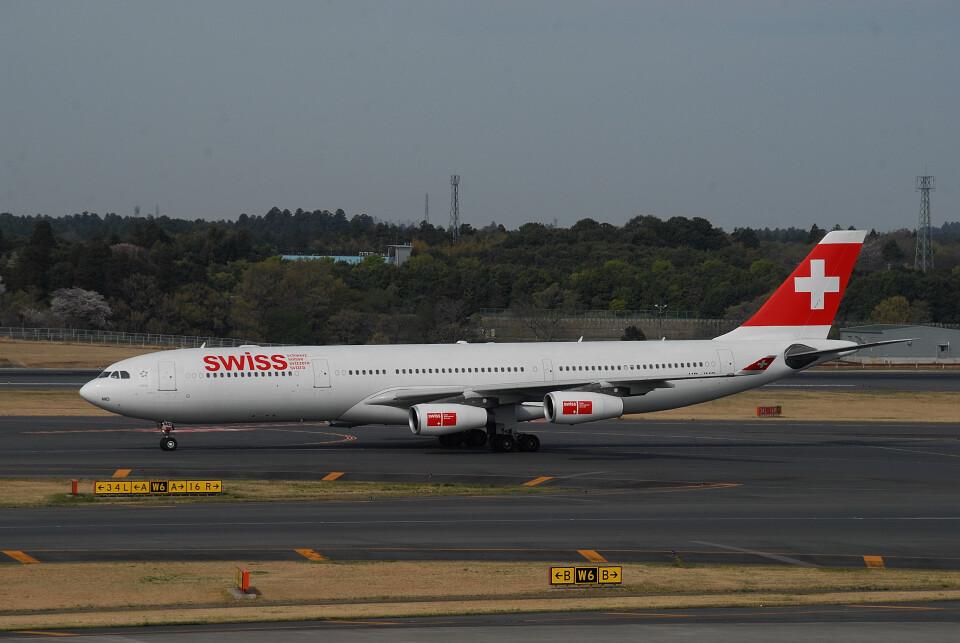 banshee02さんのスイスインターナショナルエアラインズ Airbus A340-300 (HB-JMD) 航空フォト