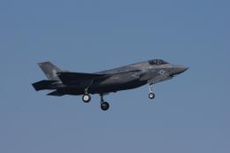 ぼくちゃんさんが、岩国空港で撮影したアメリカ海兵隊 F-35B Lightning IIの航空フォト(飛行機 写真・画像)