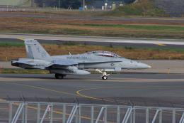 ぼくちゃんさんが、三沢飛行場で撮影したアメリカ海兵隊 F/A-18D Hornetの航空フォト(飛行機 写真・画像)
