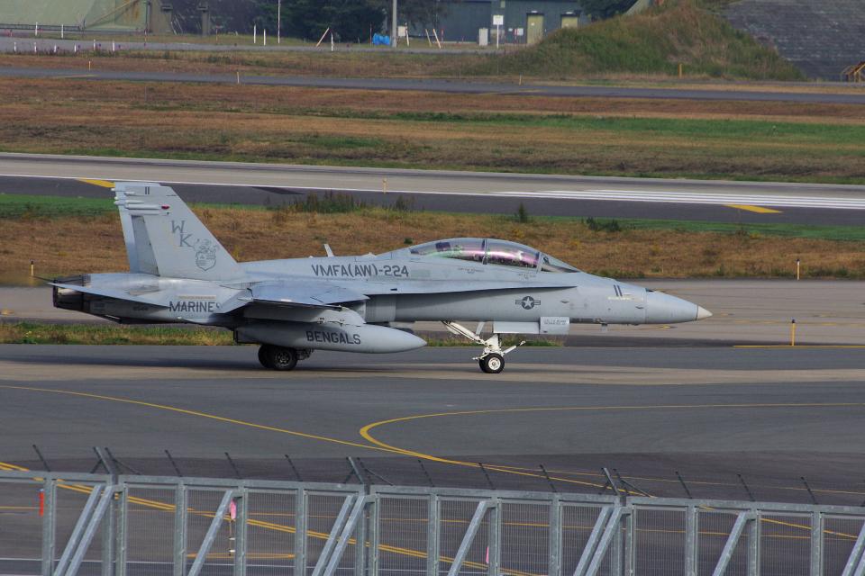 ぼくちゃんさんのアメリカ海兵隊 McDonnell Douglas F/A-18 Hornet (165414) 航空フォト