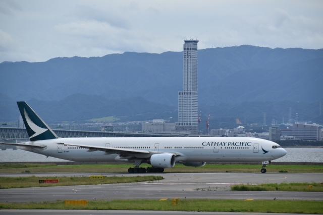 hachiさんが、関西国際空港で撮影したキャセイパシフィック航空 777-31Hの航空フォト(飛行機 写真・画像)