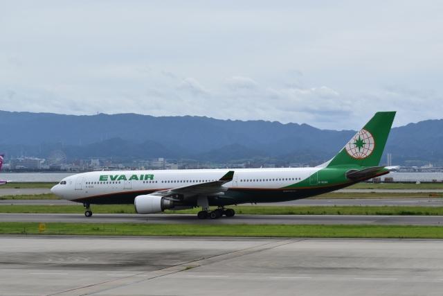 hachiさんが、関西国際空港で撮影したエバー航空 A330-203の航空フォト(飛行機 写真・画像)