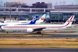 SFJ_capさんが、羽田空港で撮影したガルーダ・インドネシア航空 777-3U3/ERの航空フォト(飛行機 写真・画像)