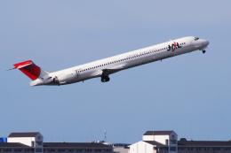 TOPAZ102さんが、伊丹空港で撮影した日本航空 MD-90-30の航空フォト(飛行機 写真・画像)