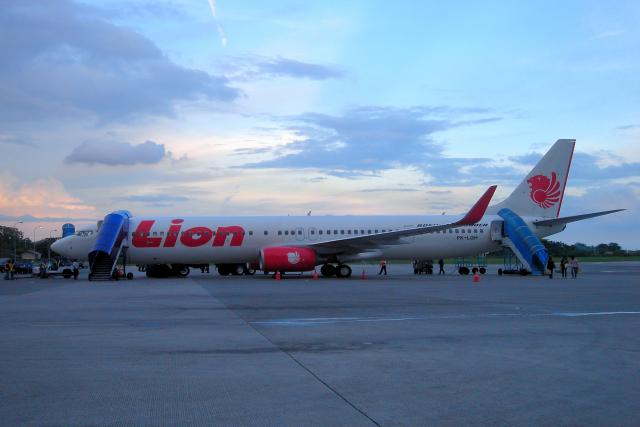 yabyanさんが、セピンガン国際空港で撮影したライオン・エア 737-96N/ERの航空フォト(飛行機 写真・画像)
