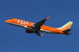 ニヤンさんが、岡山空港で撮影したフジドリームエアラインズ ERJ-170-200 (ERJ-175STD)の航空フォト(飛行機 写真・画像)