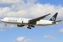 inyoさんが、成田国際空港で撮影したユナイテッド航空 777-222/ERの航空フォト(飛行機 写真・画像)