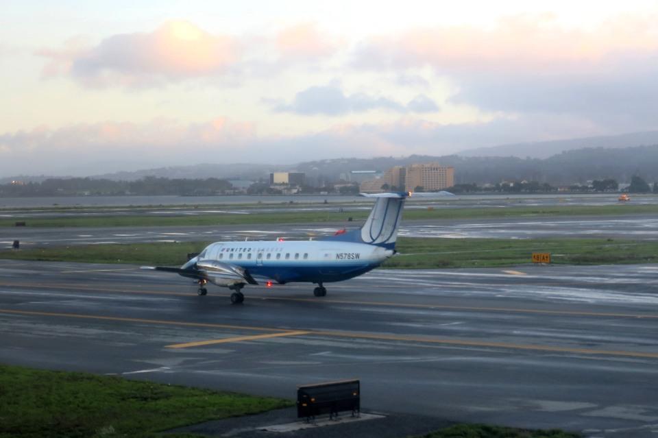Hiro-hiroさんのスカイウエスト Embraer EMB-120 Brasilia (N578SW) 航空フォト