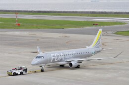 mild lifeさんが、神戸空港で撮影したフジドリームエアラインズ ERJ-170-200 (ERJ-175STD)の航空フォト(飛行機 写真・画像)