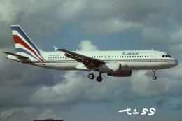 tassさんが、マイアミ国際空港で撮影したラクサ A320-232の航空フォト(飛行機 写真・画像)