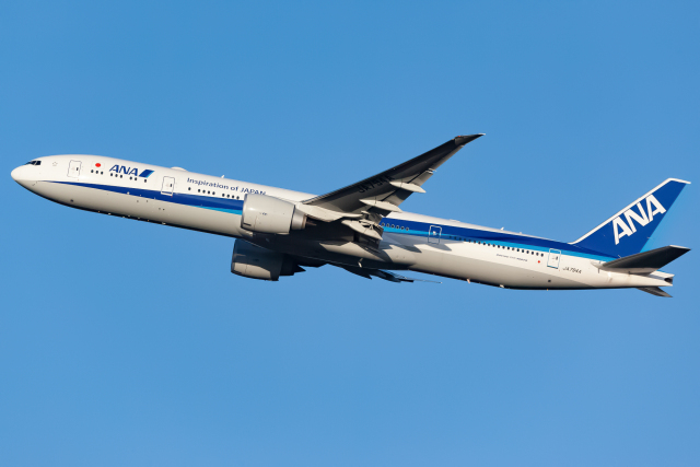 KoshiTomoさんが、成田国際空港で撮影した全日空 777-381/ERの航空フォト(飛行機 写真・画像)
