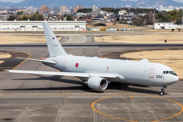 T spotterさんが、名古屋飛行場で撮影した航空自衛隊 KC-767J (767-2FK/ER)の航空フォト(飛行機 写真・画像)