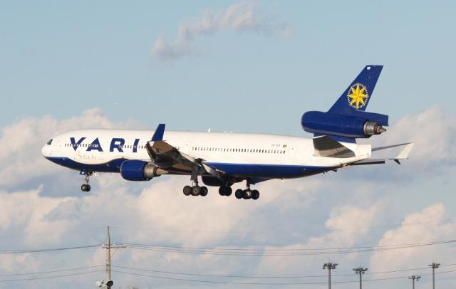 木人さんが、成田国際空港で撮影したヴァリグ MD-11の航空フォト(飛行機 写真・画像)