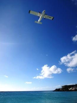 Hiro-hiroさんが、プリンセス・ジュリアナ国際空港で撮影したWindward Express Airways BN-2A-26 Islanderの航空フォト(飛行機 写真・画像)