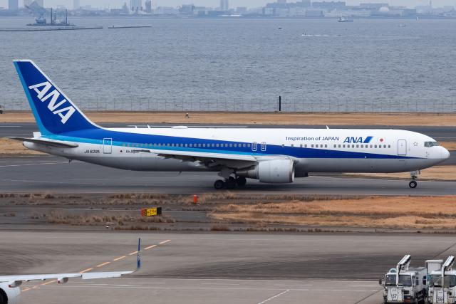 KoshiTomoさんが、羽田空港で撮影した全日空 767-381/ERの航空フォト(飛行機 写真・画像)