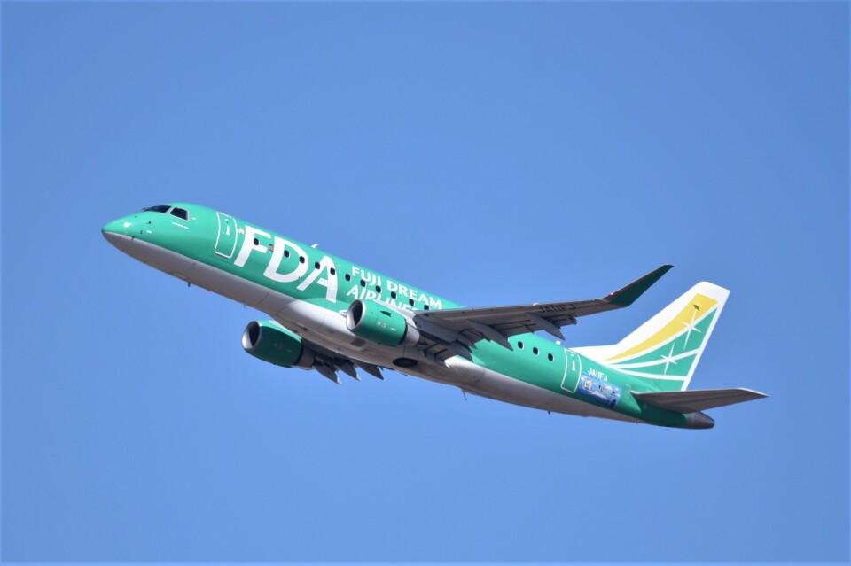 kumagorouさんのフジドリームエアラインズ Embraer 175 (JA11FJ) 航空フォト