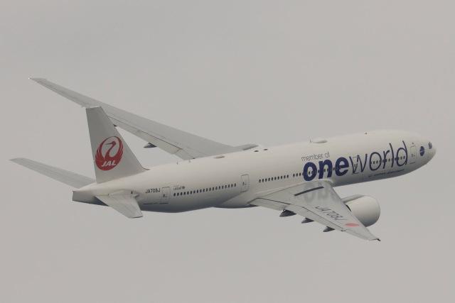 Hi.KOKIさんが、羽田空港で撮影した日本航空 777-246/ERの航空フォト(飛行機 写真・画像)