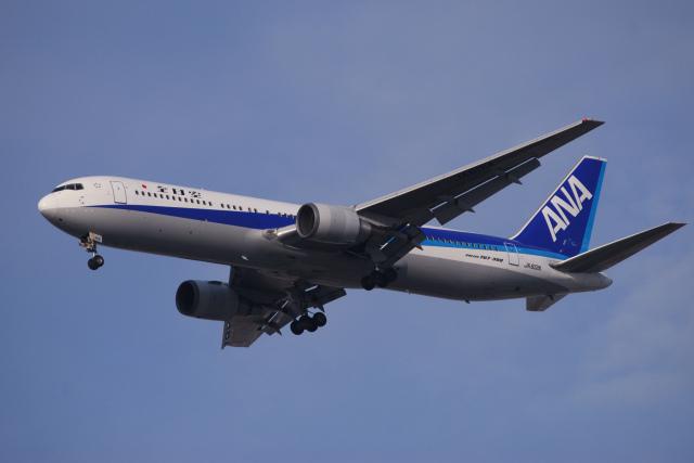 TOPAZ102さんが、伊丹空港で撮影した全日空 767-381の航空フォト(飛行機 写真・画像)
