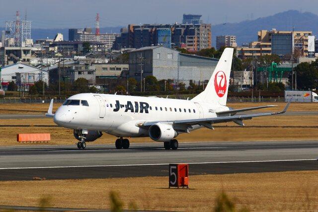 khideさんが、伊丹空港で撮影したジェイエア ERJ-170-100 (ERJ-170STD)の航空フォト(飛行機 写真・画像)