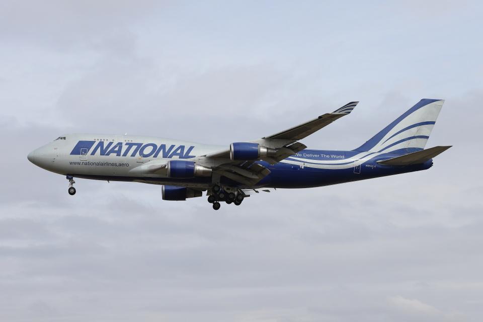 マーサさんのナショナル・エアラインズ Boeing 747-400 (N952CA) 航空フォト