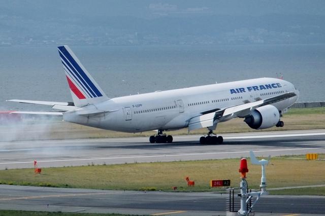 山河 彩さんが、関西国際空港で撮影したエールフランス航空 777-228/ERの航空フォト(飛行機 写真・画像)