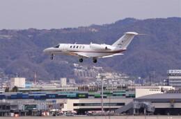 mild lifeさんが、伊丹空港で撮影した国土交通省 航空局 525C Citation CJ4の航空フォト(飛行機 写真・画像)