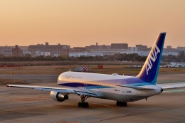 h_wajyaさんが、福岡空港で撮影した全日空 767-381/ERの航空フォト(飛行機 写真・画像)