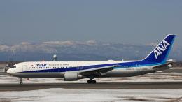 Cassiopeia737さんが、新千歳空港で撮影した全日空 767-381/ERの航空フォト(飛行機 写真・画像)