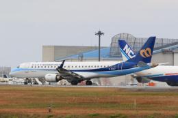 inyoさんが、成田国際空港で撮影したマンダリン航空 ERJ-190-100 IGW (ERJ-190AR)の航空フォト(飛行機 写真・画像)