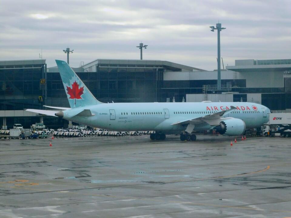 さんまるエアラインさんのエア・カナダ Boeing 787-9 (C-FRSA) 航空フォト