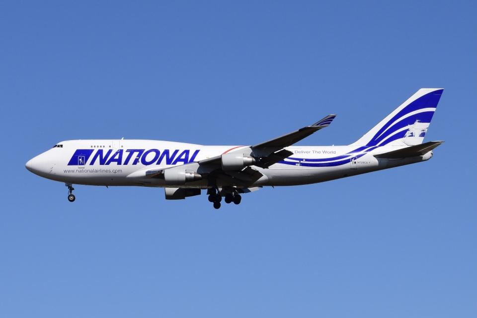 Timothyさんのナショナル・エアラインズ Boeing 747-400 (N729CA) 航空フォト