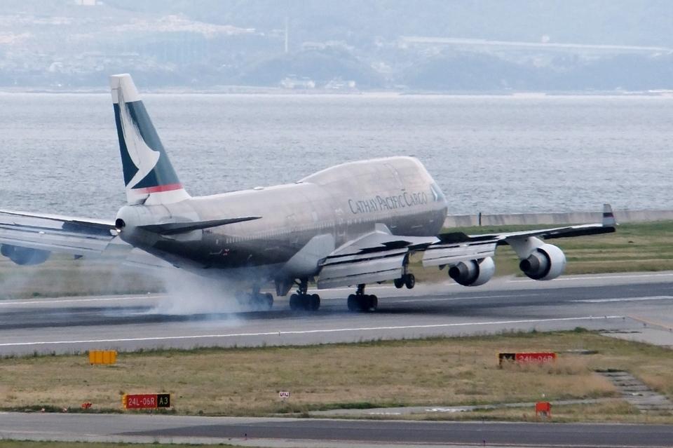 山河 彩さんのキャセイパシフィック航空 Boeing 747-400 (B-HKJ) 航空フォト